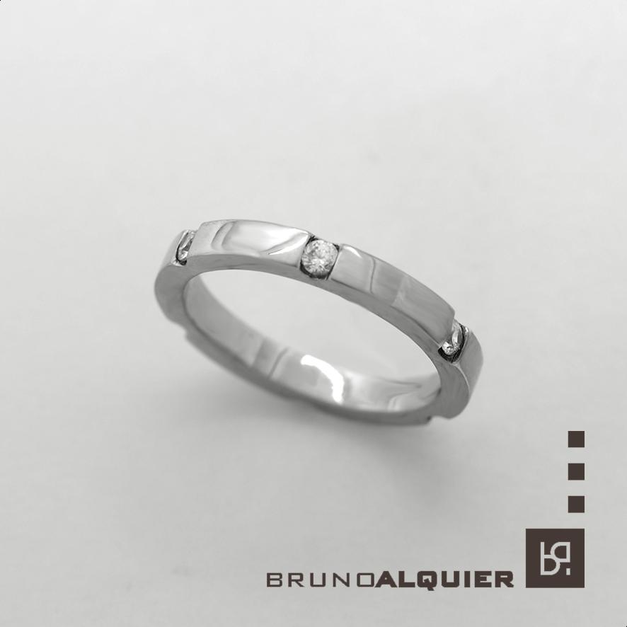 alliance en or blanc et diamants bruno alquier createur bijoutier lyon. Black Bedroom Furniture Sets. Home Design Ideas
