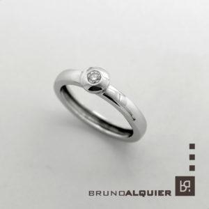 Bruno Alquier - Solitaire diamant Fancy en or blanc