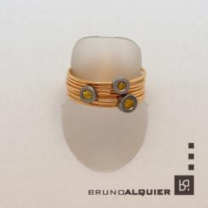 Bruno Alquier - Bague multi anneaux en or et diamants jaunes