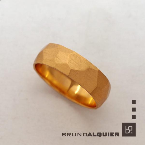 Bruno Alquier - Alliance limée en or rouge mat