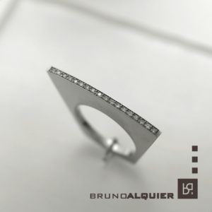 Bruno Alquier - Bague eventail en or blanc et diamants