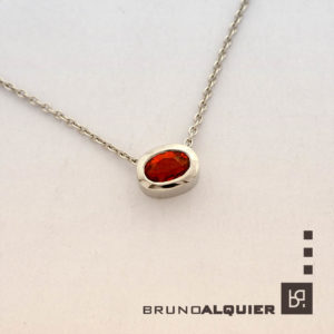 Bruno Alquier - Collier Fancy avec saphir or rouge en or blanc