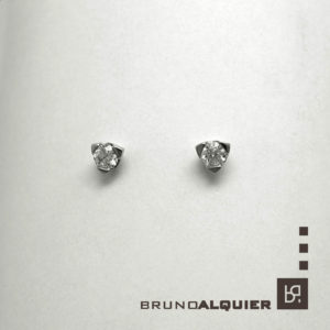 Bruno Alquier - Boucles d'oreille diamants en or blanc 3 griffes triangles